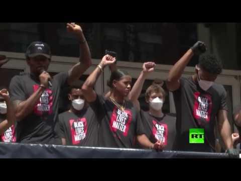 شاهد لاعبو كرة السلة ينضمون إلى مسيرة حياة السودة مهمة في واشنطن